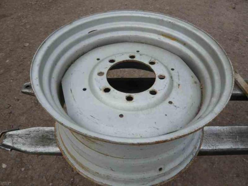 Felge a típus Massey Ferguson 1X FELGE 30X15L, Gebrauchtmaschine ekkor: Vehlow (Kép 1)