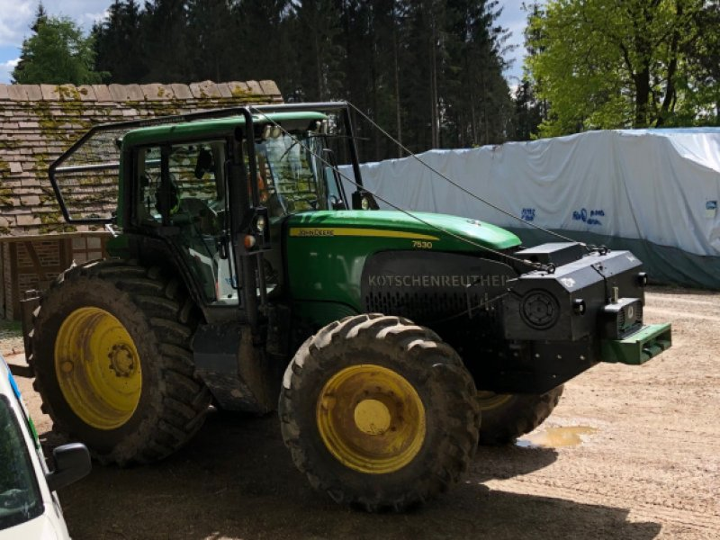 Forstschlepper типа John Deere 7530, Gebrauchtmaschine в Lauchheim (Фотография 1)