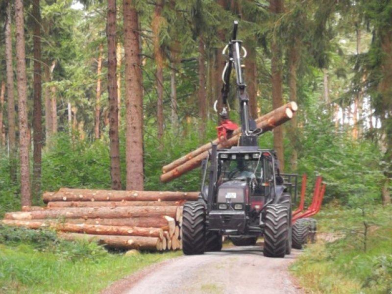 Forstschlepper des Typs Valtra 8400, Gebrauchtmaschine in Dürrröhrsdorf-Dittersbac (Bild 1)