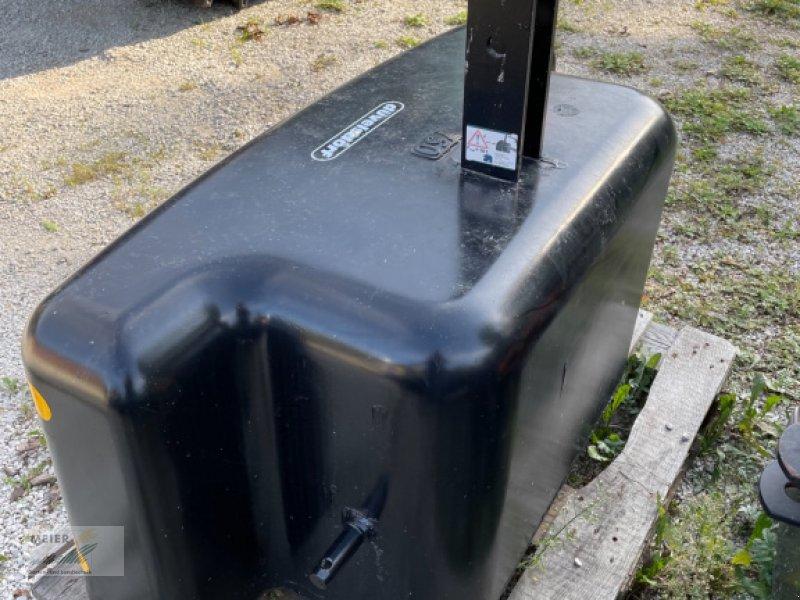 Frontgewicht типа Düvelsdorf Stahlbetongewicht 750kg, Neumaschine в Hersbruck (Фотография 1)