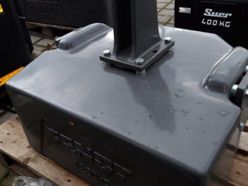 Frontgewicht des Typs Fendt Frontgewicht 1250KG, Gebrauchtmaschine in Wülfershausen (Bild 2)