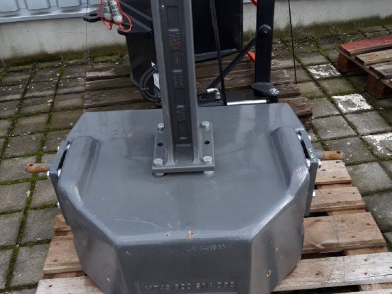 Frontgewicht des Typs Fendt Frontgewicht 1250KG, Gebrauchtmaschine in Wülfershausen (Bild 3)