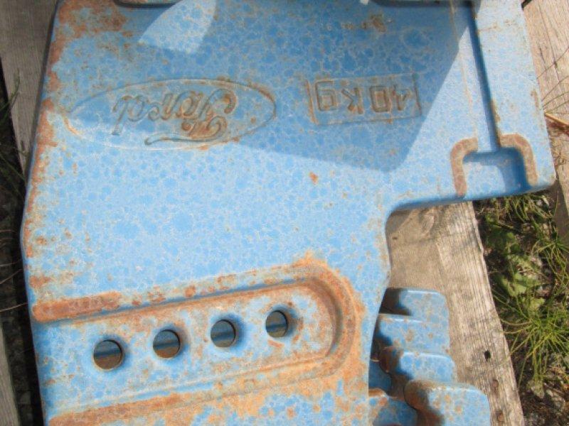 Frontgewicht des Typs Ford Einhängegewichte 8 x 40 KG, Gebrauchtmaschine in Wülfershausen an der Saale (Bild 4)