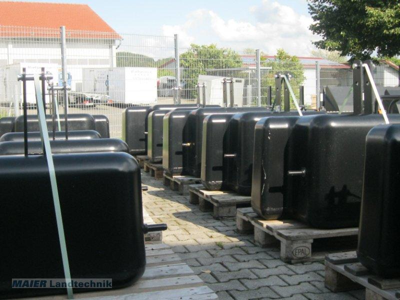 Frontgewicht типа Frans Pateer Gewichte von 400 kg bis 1.450 kg, Neumaschine в Dieterskirchen (Фотография 1)