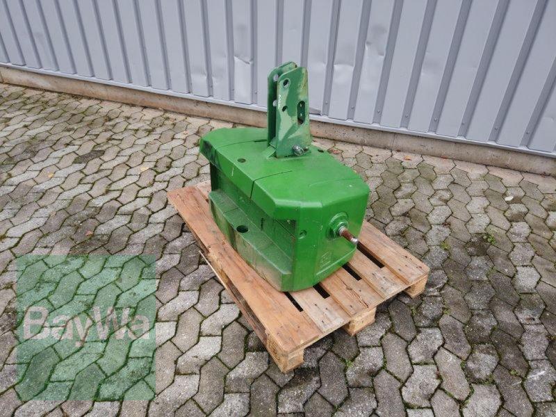 Frontgewicht des Typs John Deere 850 KG, Gebrauchtmaschine in Manching (Bild 1)