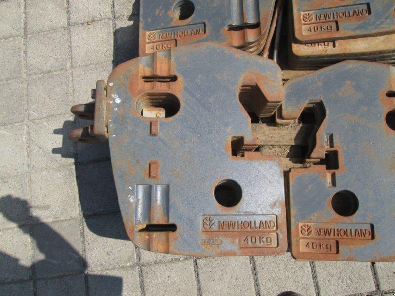 Frontgewicht des Typs New Holland 880 KG (22 x 40 KG) Frontgewicht Koffergewicht, Gebrauchtmaschine in Wülfershausen an der Saale (Bild 3)