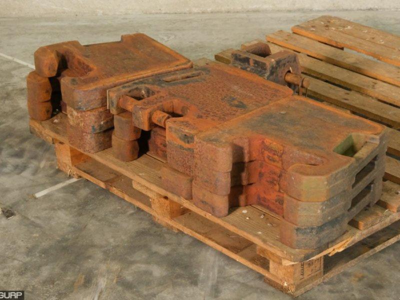 Frontgewicht типа Sonstige Case Frontgewichten 32/42 serie  va, Gebrauchtmaschine в Wijhe (Фотография 1)