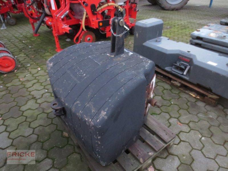 Frontgewicht des Typs Valtra 1100 KG, Gebrauchtmaschine in Bockel - Gyhum (Bild 1)