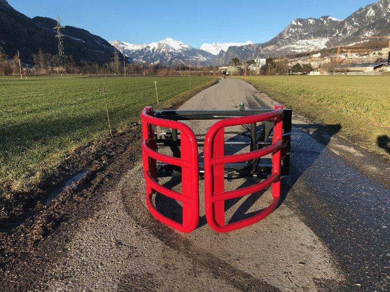 Fronthydraulik & Zapfwelle типа Sonstige K001 Ballengreifer, Gebrauchtmaschine в Chur (Фотография 1)