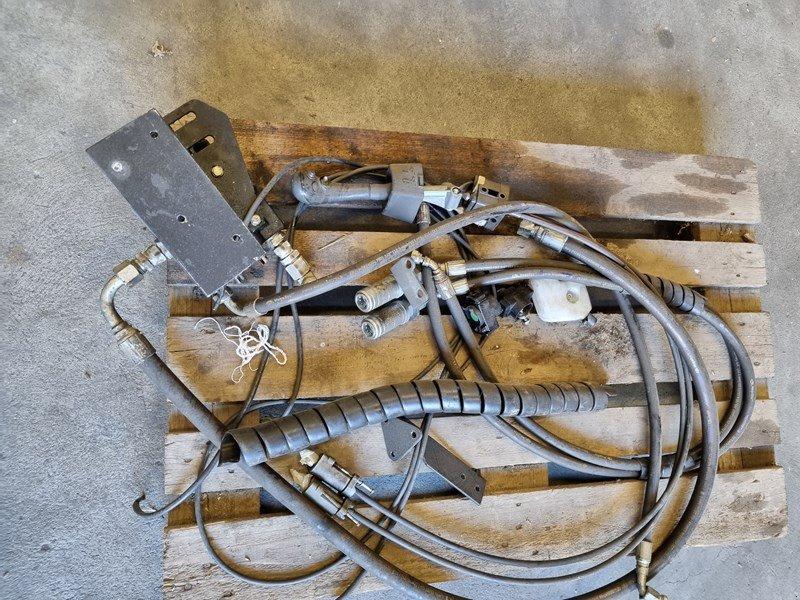Fronthydraulik типа Alö Hydrauliksteuerung, Gebrauchtmaschine в Chur (Фотография 1)