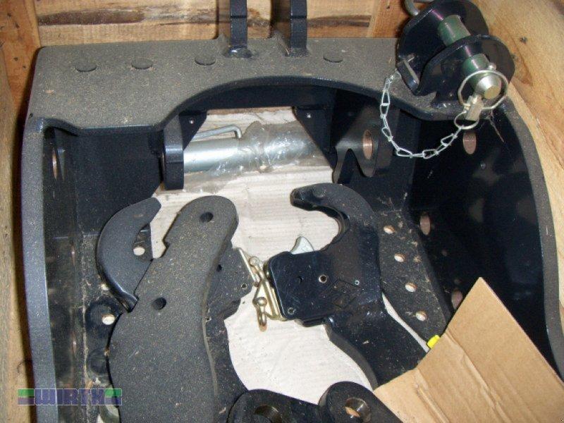 Fronthydraulik des Typs Sauter Frontkraftheber 150 PS - 230 PS, Neumaschine in Buchdorf (Bild 1)
