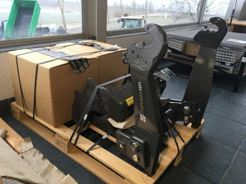 Fronthydraulik des Typs Stemplinger Fronthydraulik, Frontzapfwelle Claas Atos, Neumaschine in Altenfelden (Bild 1)