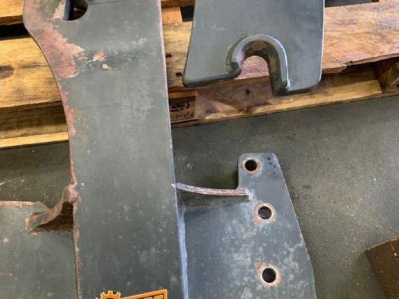 Frontladeranbaukonsole a típus Hauer Renault Celtis, Gebrauchtmaschine ekkor: Villach (Kép 1)