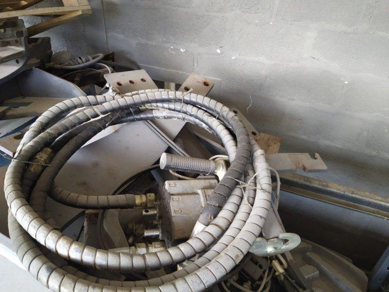 Frontladeranbaukonsole des Typs Manip BATI M640, Gebrauchtmaschine in CHAILLOUÉ (Bild 1)