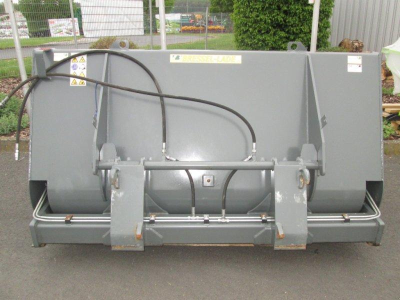 Frontladerzubehör des Typs Bressel & Lade Hochkippschaufel L 2200 L67, Gebrauchtmaschine in Wülfershausen (Bild 1)