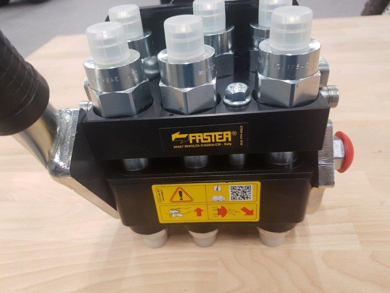 Frontladerzubehör типа Kubota Multikuppler M4072-M7060-M6040, Neumaschine в Olpe (Фотография 1)