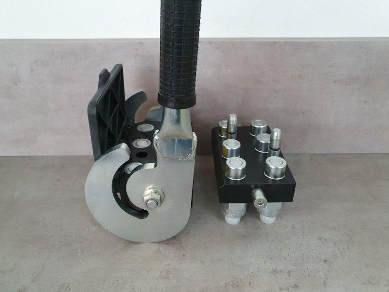 Frontladerzubehör типа Kubota Multikuppler M4072-M7060-M6040, Neumaschine в Olpe (Фотография 8)