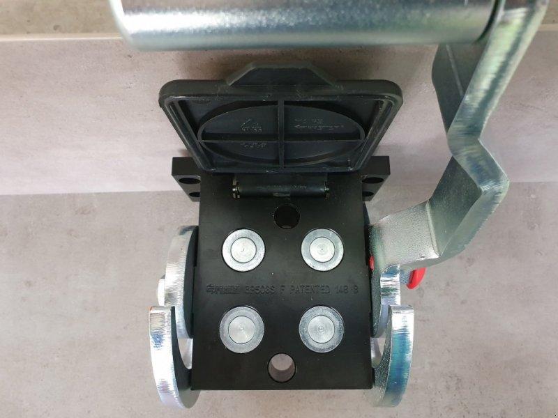 Frontladerzubehör типа Kubota Multikuppler M7060-M6060-M4072, Neumaschine в Olpe (Фотография 6)