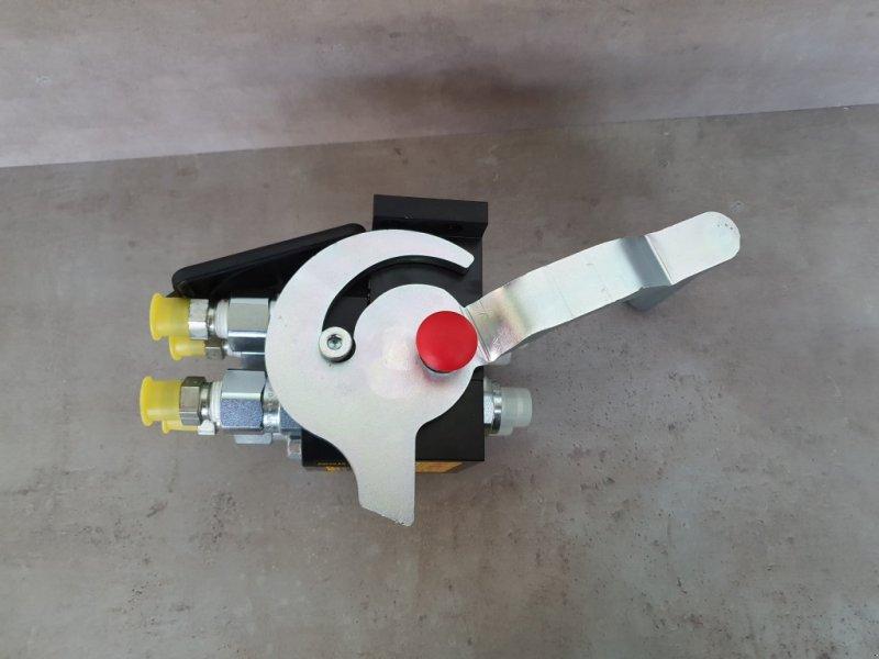 Frontladerzubehör типа Kubota Multikuppler M7060-M6060-M4072, Neumaschine в Olpe (Фотография 5)