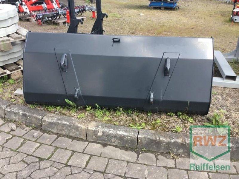 Frontladerzubehör des Typs Stoll Schaufel Robust U 2,05, Neumaschine in Kruft (Bild 5)