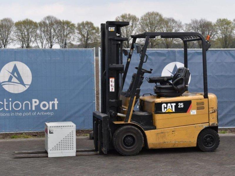 Frontstapler типа Caterpillar EP25K, Gebrauchtmaschine в Antwerpen (Фотография 1)