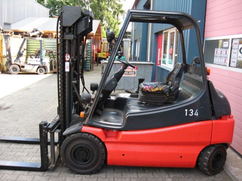 Frontstapler типа Linde E30-01, Gebrauchtmaschine в Oldenzaal (Фотография 1)