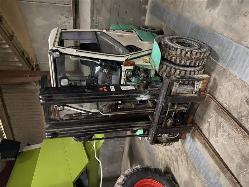Frontstapler des Typs Mitsubishi FD 25 Triplex- twillinghjul- fuld hydraulisk slæde., Gebrauchtmaschine in Sønderborg (Bild 1)