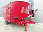 Futtermischwagen des Typs BVL V-Mix 24-2 S in Neuhof - Dorfborn