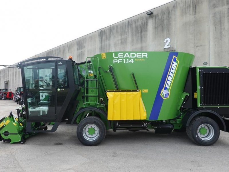 Futtermischwagen des Typs Faresin Faresin Leader PF1, Neumaschine in Burgkirchen (Bild 1)