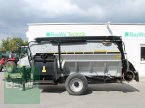 Futtermischwagen des Typs Hirl Titan 1100 in Straubing
