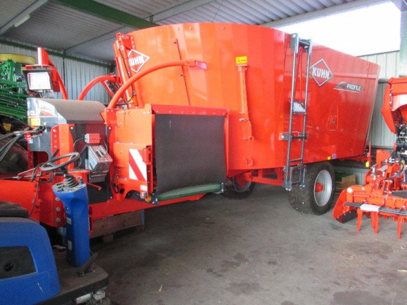 Futtermischwagen des Typs Kuhn Profile 18.2 CL, Neumaschine in Aislingen (Bild 1)