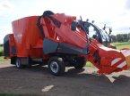 Futtermischwagen des Typs Kuhn SPV14 в Klarenbeek