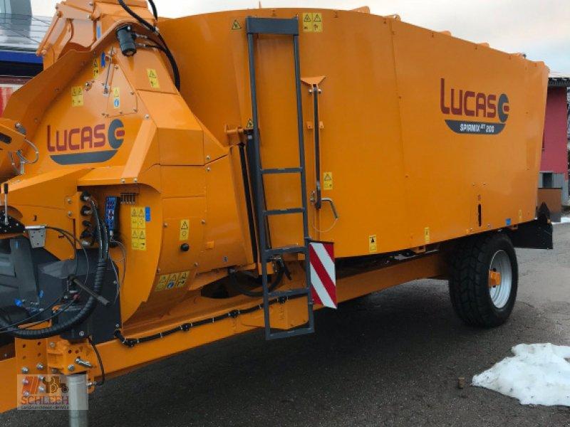 Futtermischwagen des Typs Lucas Spirmix Jet, Neumaschine in Neuweiler (Bild 2)