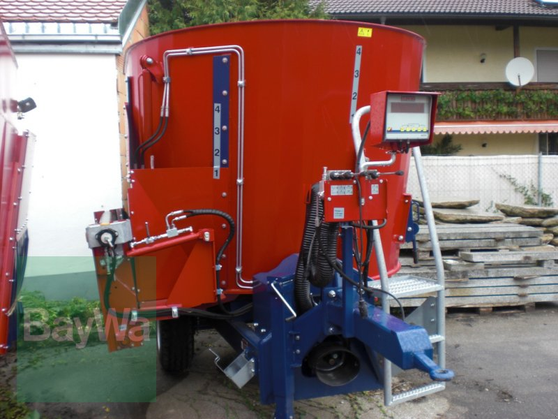 Futtermischwagen des Typs Mayer Siloking Compact 8, Neumaschine in Neuburg a.d. Donau (Bild 1)