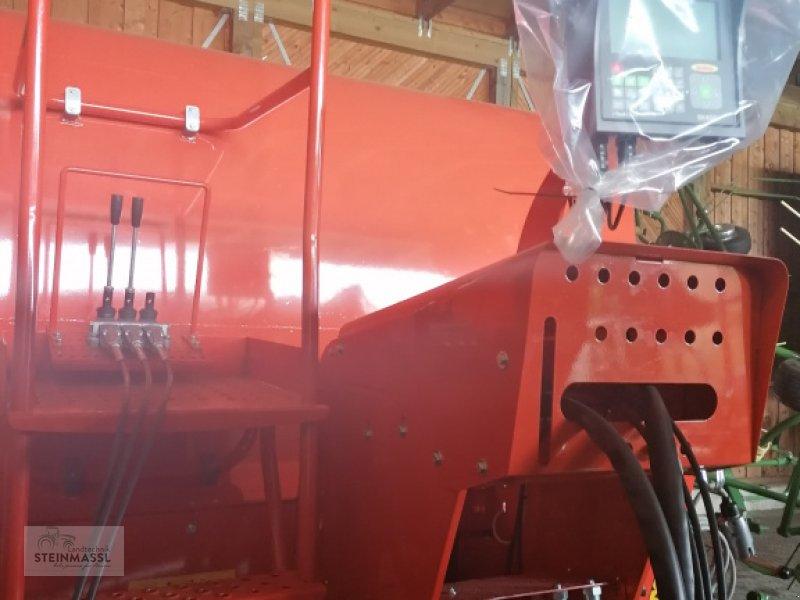 Futtermischwagen of the type Seko Samurai7     500/110, Neumaschine in Petting (Picture 3)