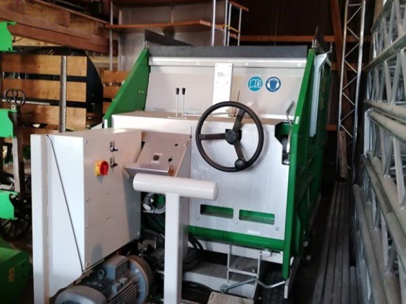 Futtermischwagen des Typs Sonstige LeGu 2000 elektro, Ausstellungsmaschine in Mesikon (Bild 1)