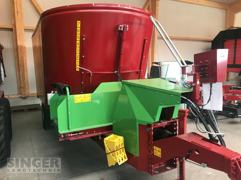 Futtermischwagen des Typs Strautmann Verti-Mix 2401 Double, Neumaschine in Ebenhofen (Bild 5)