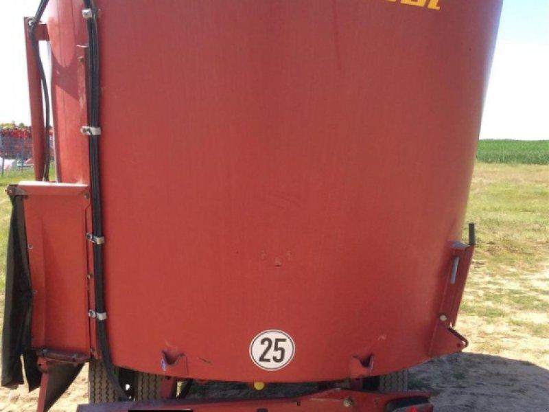 Futtermischwagen des Typs Strautmann VertiMix1700Double, Gebrauchtmaschine in Windsbach (Bild 3)