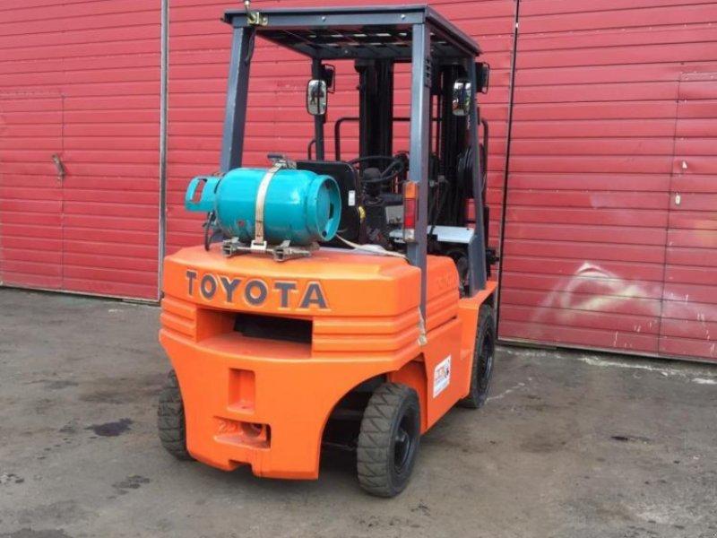 Gabelstapler типа Toyota 02-7FD25, Gebrauchtmaschine в Радехів (Фотография 1)