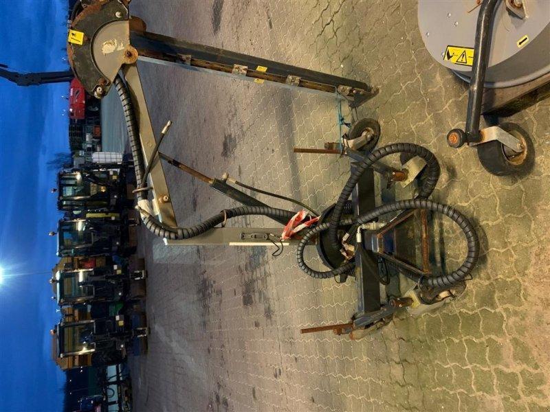 Geräteträger du type Egholm Hækklipper, Gebrauchtmaschine en Herning (Photo 1)