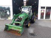 John Deere 4720 Univerzální traktor