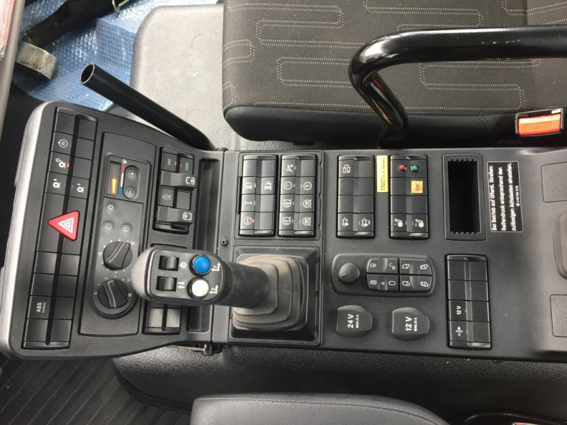 Geräteträger des Typs Mercedes-Benz Unimog U430 Agrar, Gebrauchtmaschine in Heimstetten (Bild 22)