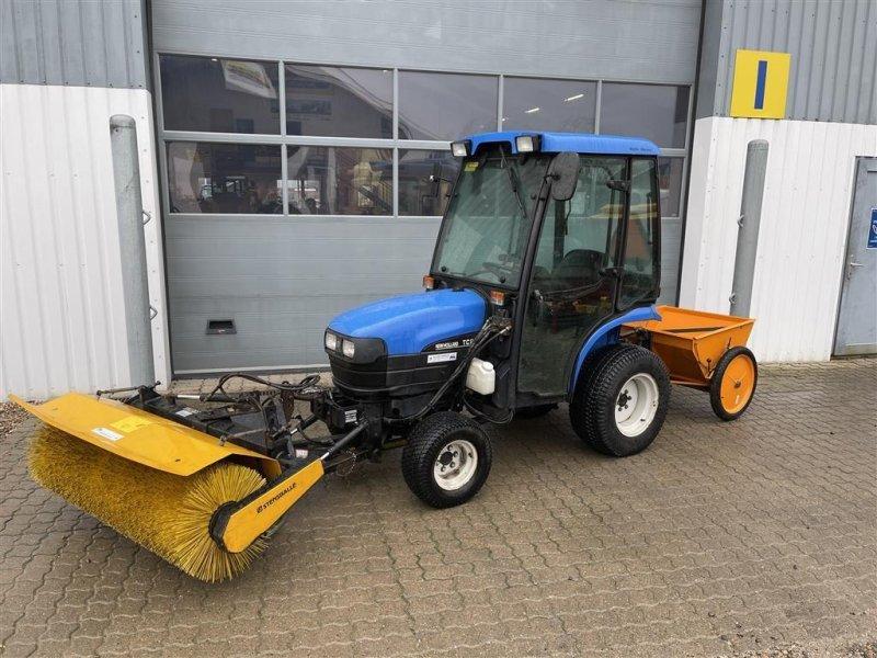 Geräteträger du type New Holland TC 21 D inkl. Kost & Saltspreder, Gebrauchtmaschine en Lemvig (Photo 1)