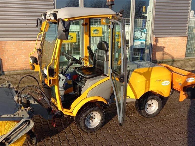 Geräteträger des Typs Stiga TITAN 740DCR Med FH 1200L5 Nesbo Kost., Gebrauchtmaschine in Roskilde (Bild 1)