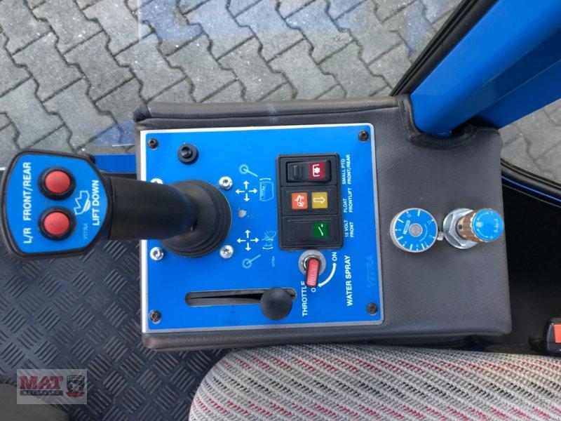 Geräteträger des Typs Vitra 2037 Kehrmaschine, Neumaschine in Waldkraiburg (Bild 6)