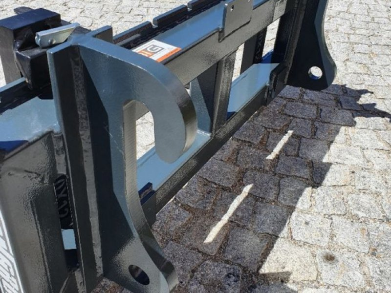 Greifer типа Sonstige Volvo Palettengabel passend zu Volvo L30, Neumaschine в Brunn an der Wild (Фотография 5)