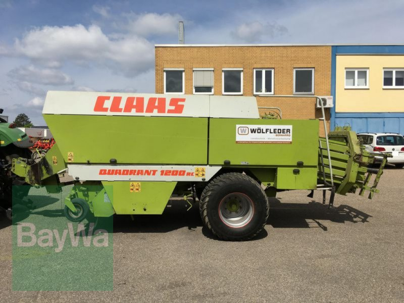 Großpackenpresse des Typs CLAAS QUADRANT 1200RC, Gebrauchtmaschine in Obertraubling (Bild 1)
