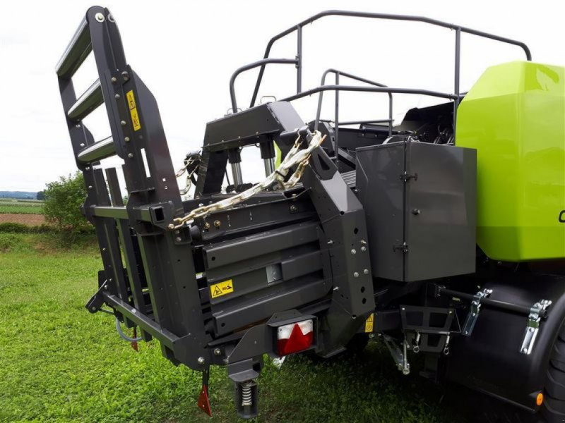 Großpackenpresse des Typs CLAAS QUADRANT 5200 FC TANDEM, Vorführmaschine in Töging a. Inn (Bild 3)