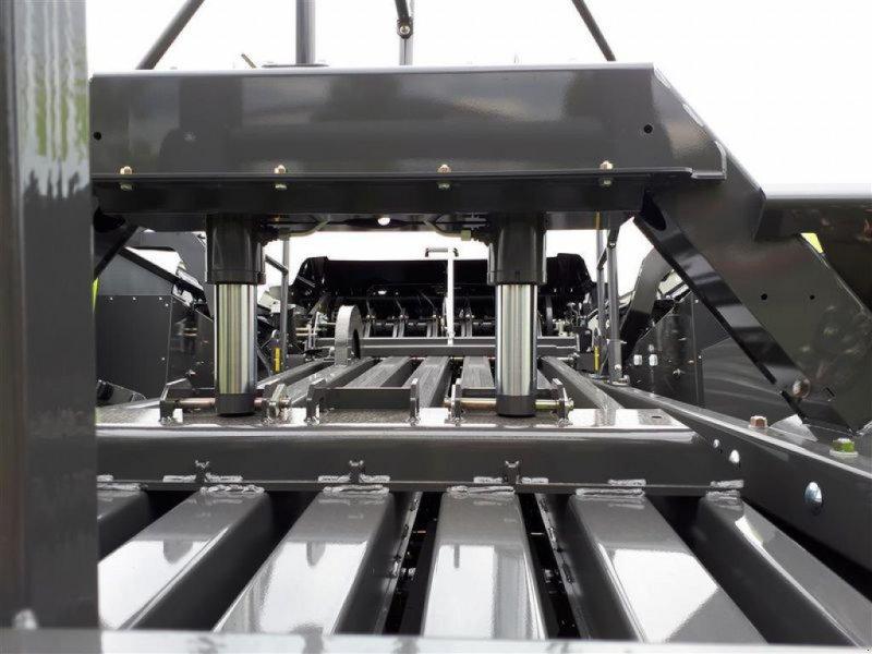 Großpackenpresse des Typs CLAAS QUADRANT 5200 FC TANDEM, Vorführmaschine in Töging a. Inn (Bild 7)