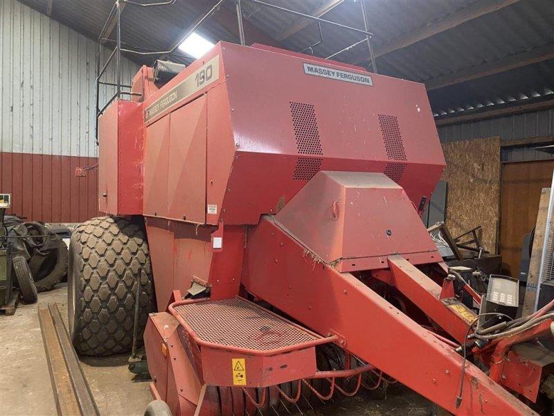 Großpackenpresse des Typs Massey Ferguson >190 bigpallepresser, Gebrauchtmaschine in Herning (Bild 1)